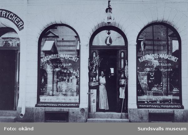 Korghandlar J A Anderssons butik ( på Torggatan 4?)