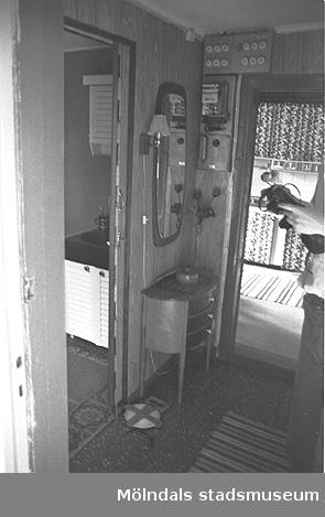 Interiörbild i bostadshus på Roten M 37 i Mölndals Kvarnby, 1972.