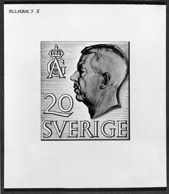 """Bidrag till 1951 års tävling om ny frimärkstyp med Gustaf VI Adolfs porträtt. Fotorepro av konungens porträtt efter David Tägtströms teckning. Konstnär: William Peterson,  med motto: """"Pillarbox"""". """"Pillarbox 5 II"""". Valör 20 öre."""