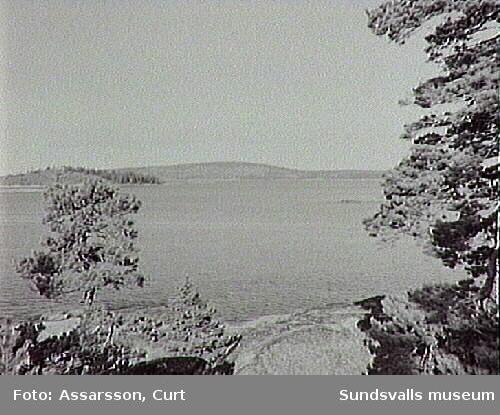 Utsikt från Skorven, Alnö, mot Rödön och Åstön.