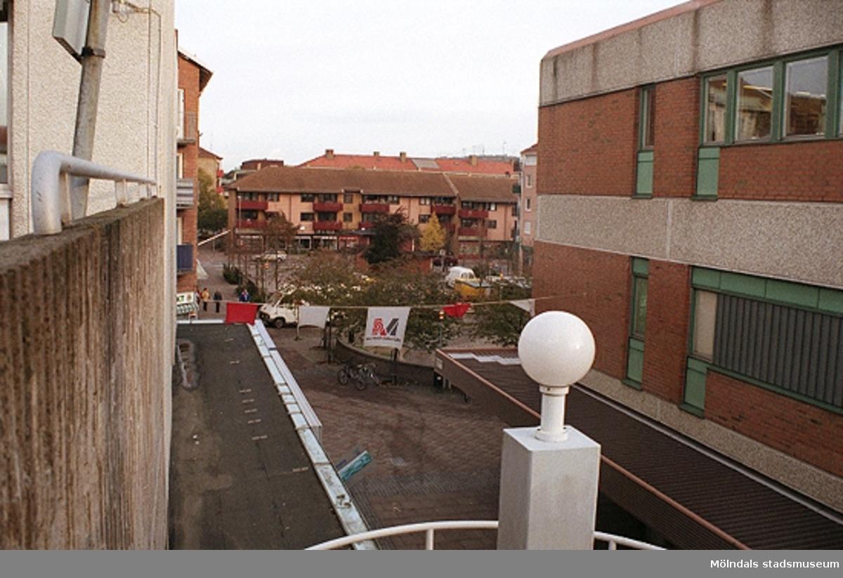 MMF1996:1299-1300 Åbyskolan 8A grupp 3.MMF1996:1300-1319 Åbyskolan 8A grupp 4.MMF1996:1320-1323 Åbyskolan 8A grupp 5.Se även MMF1996:0913-0940.