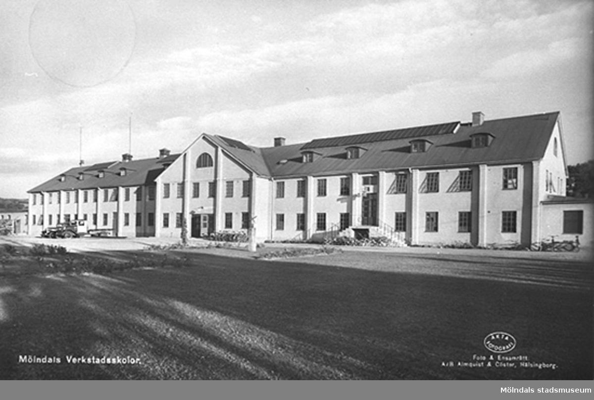 Vykort postat 23/11 1942. Byggnaden var från början tegelbruk och blev senare yrkesskola med verkstadsinriktning. Revs på 1980-talet.