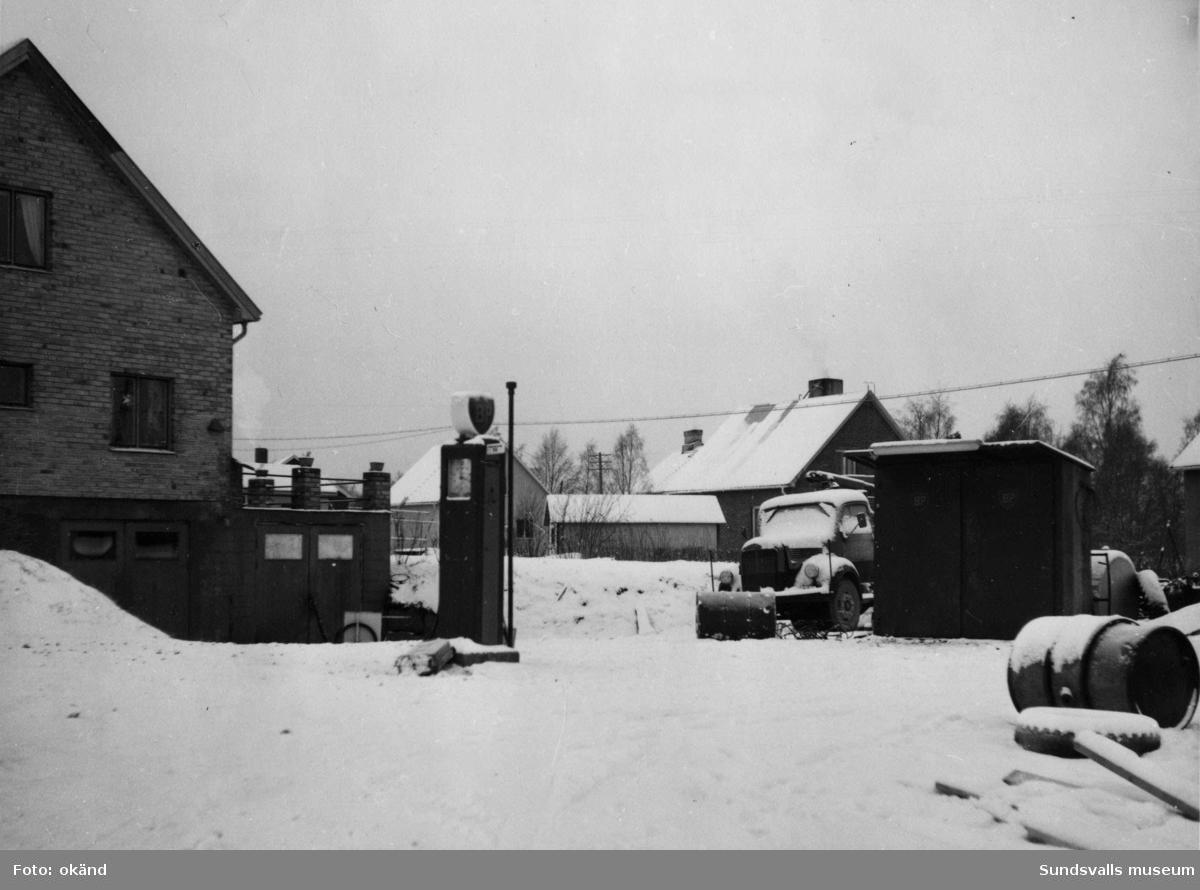 BP-stationen Mellansel, Örnsköldsvik. Köpman: Åkaren Alvar Sjöberg.