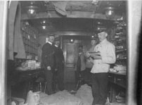 Nr 2 från höger Gustaf A. Roos, pkp 89. foto omkring 1911-1913