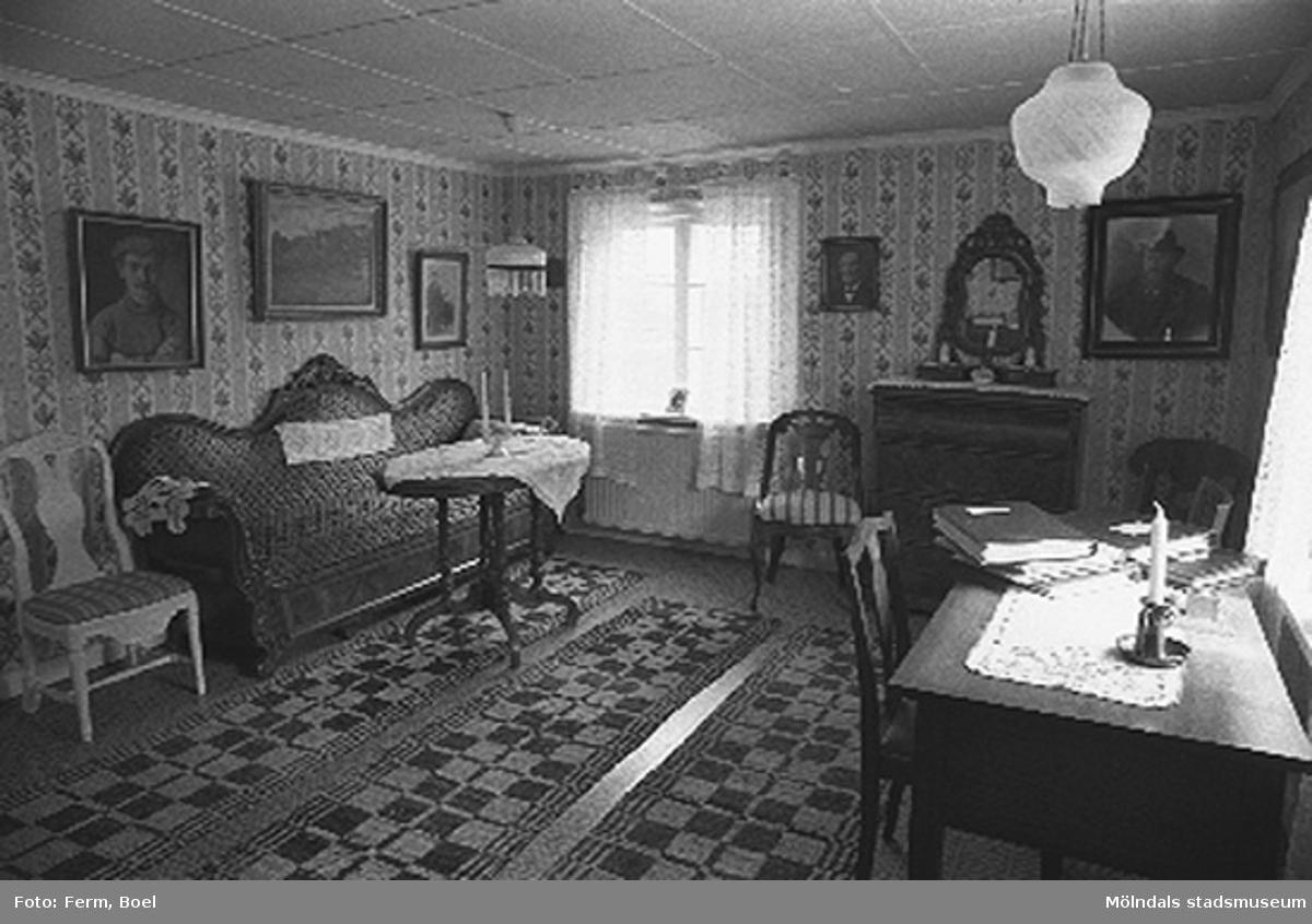 Kammaren.Hembygdsgården/Börjesgården i Hällesåker, Lindome 1992-06-29.