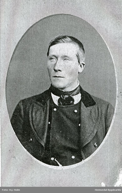 Kristen Hjelmen , fødd i Vente i Hemsedal i 1863