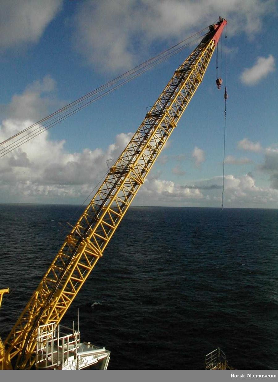 East crane - crane boom