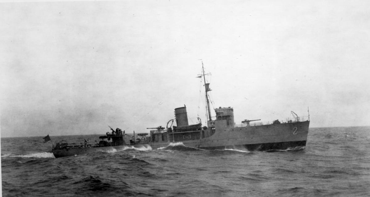 Fartyg: LANDSORT                        Rederi: Kungliga Flottan, Marinen Byggår: 1937 Varv: Örlogsvarvet, Karlskrona Övrigt: Minsveparen Landsort under gång till sjöss.