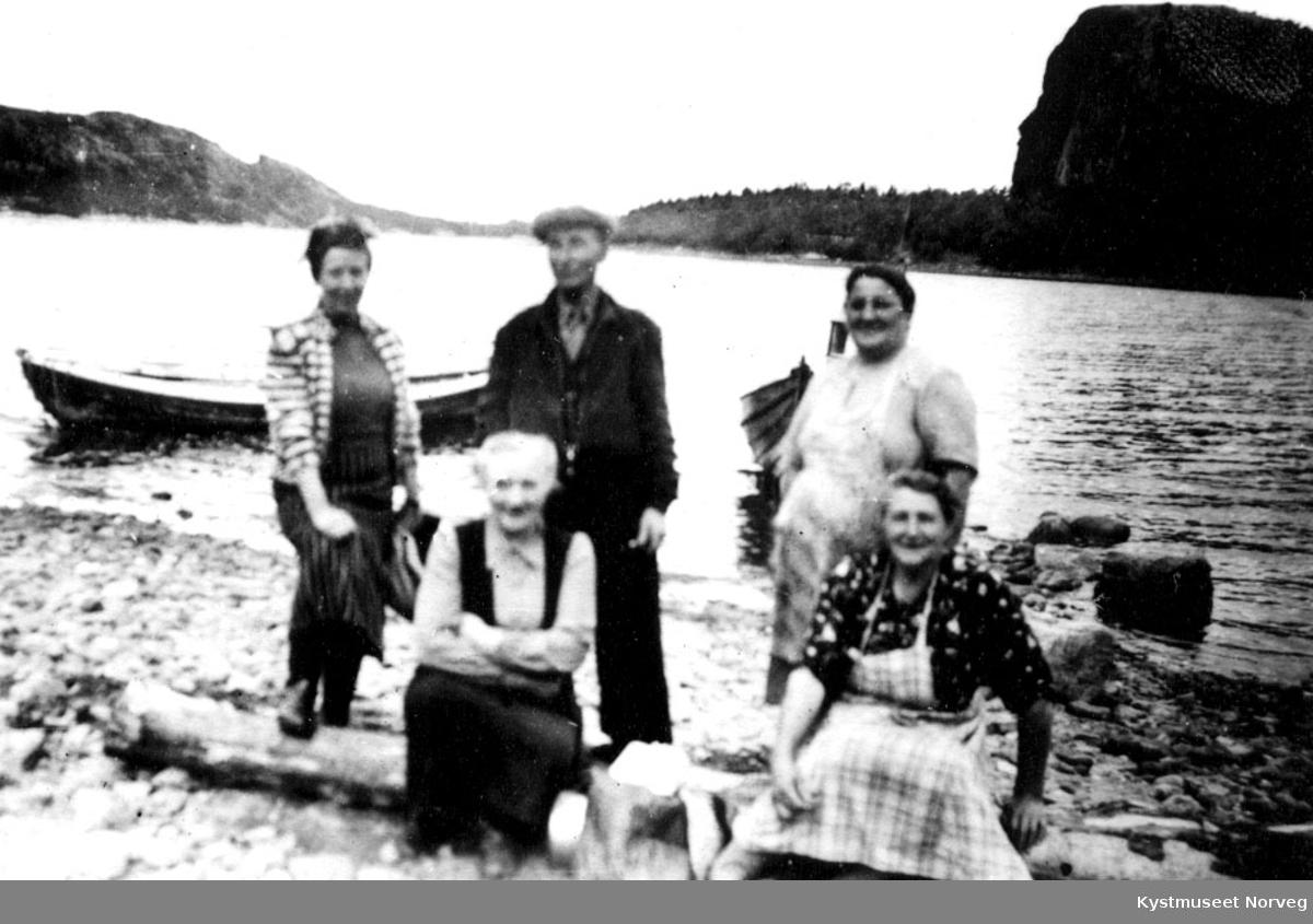 Ved Leininga i Årfjorden.