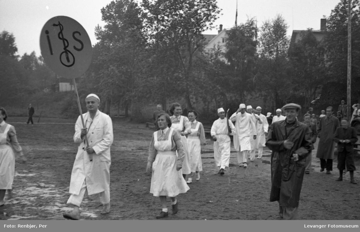Barnas dag, Levanger, fotballkamp mellom sykehuset og lærerskolen, innsamling av penger.