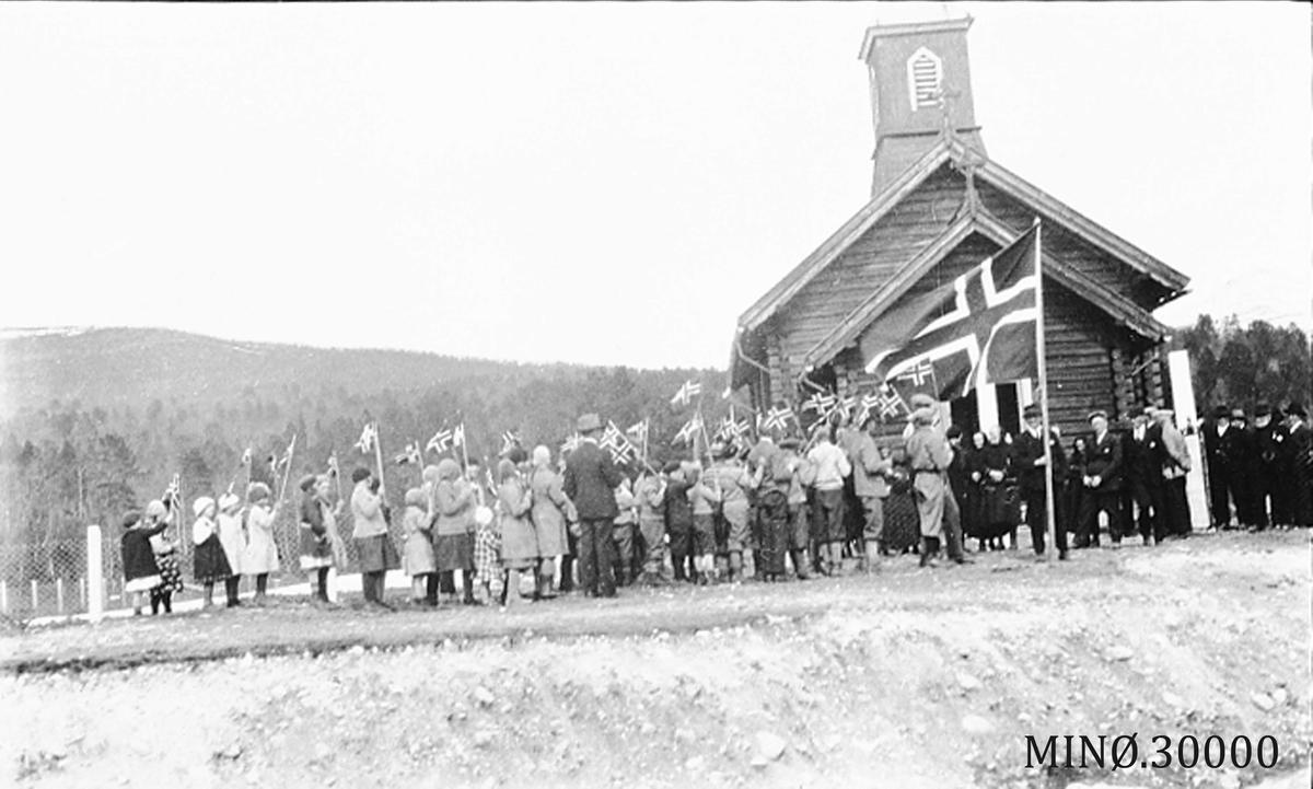 17.mai Holøydalen kirke.