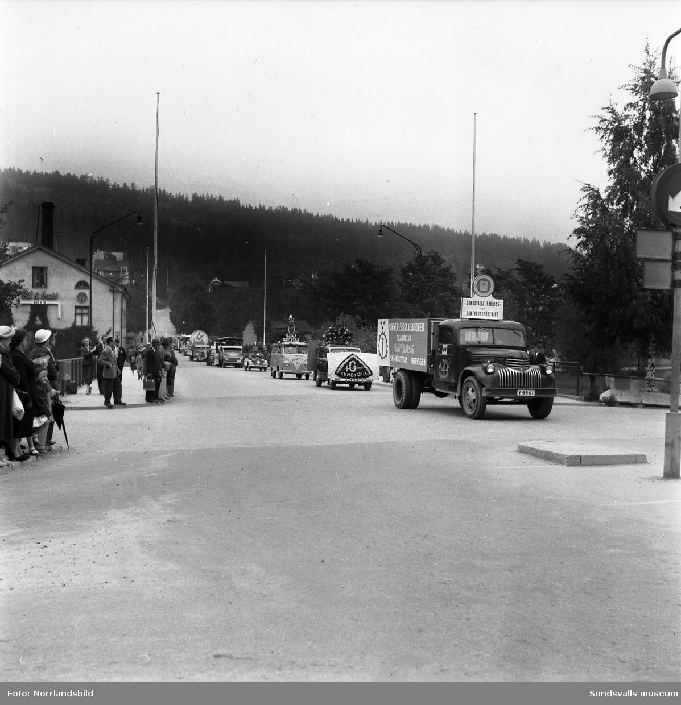 Nygrens blommor deltar i Sundsvallsutställningen med monter vid läroverket samt i en bilparad med en blomsterprydd Volvo Duett.