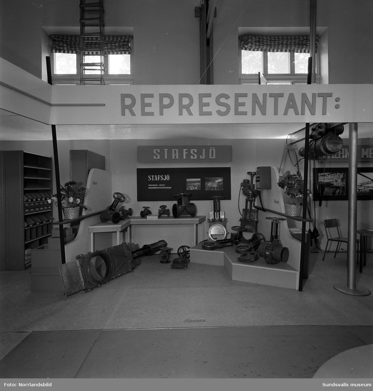 Rönnes monter på Sundsvallsmässan 1954.