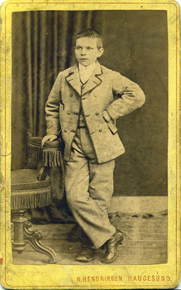 Portrett  - Ung gutt.