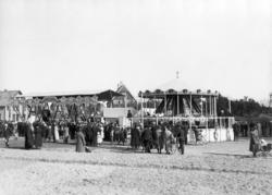 Varemessa i Bodø i 1924. Amerikansk luftgynge og karusell. M