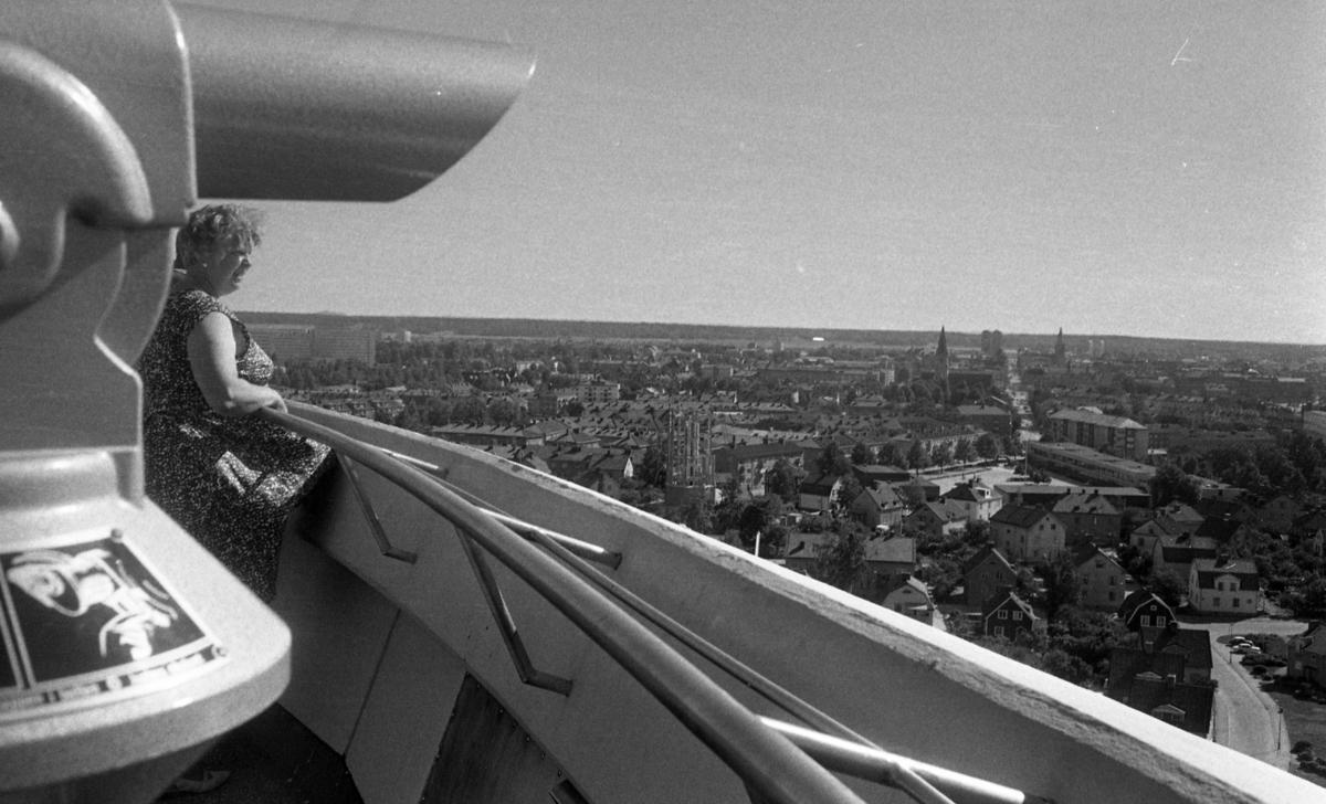 Turist i Örebro(1) 12 juli 1968Svampen (vattentorn)