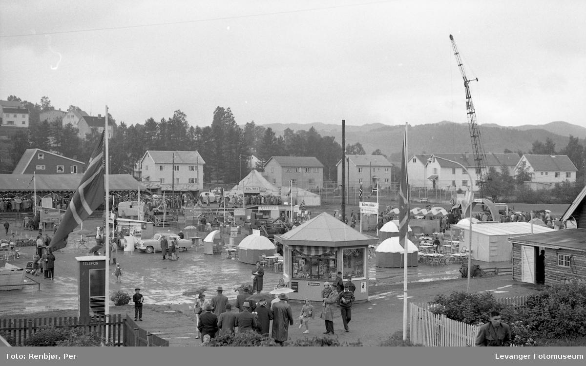 Fra utstillingen på Stadion. I anledning 125 års jubileet for Levanger By, 1961.