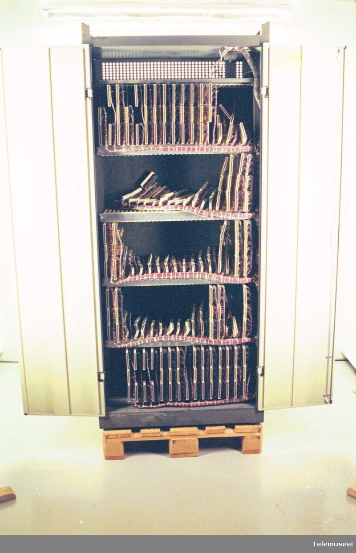 Minimat 30, høy Komplett med kort og sentralbord