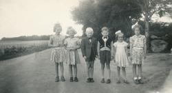 Borna på Tunheim fødde i 1947. Frå venstre Marta Maria Tjens