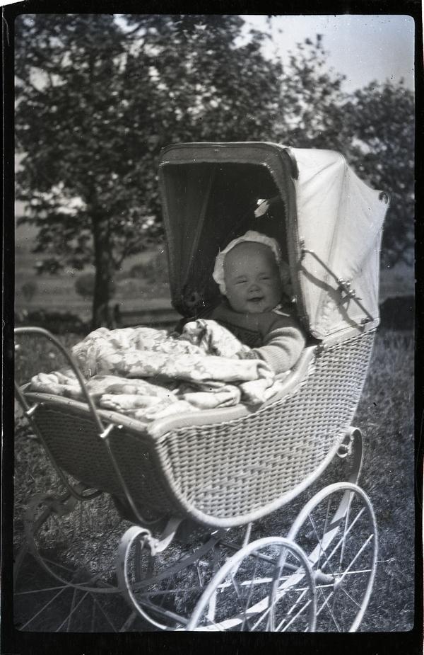 Berta Netland g. Kalvik (1930 - 2000) i vogna
