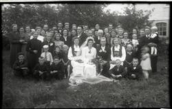 Gjestene i bryllupet til Ester Netland g. Frøyland (1921 - 2