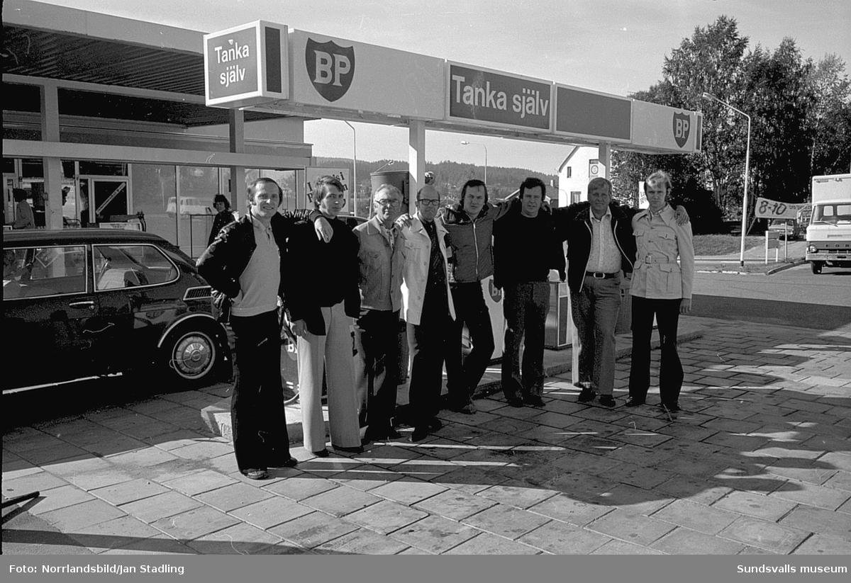 BP i Granlo, gruppbild med personal och föreståndare.