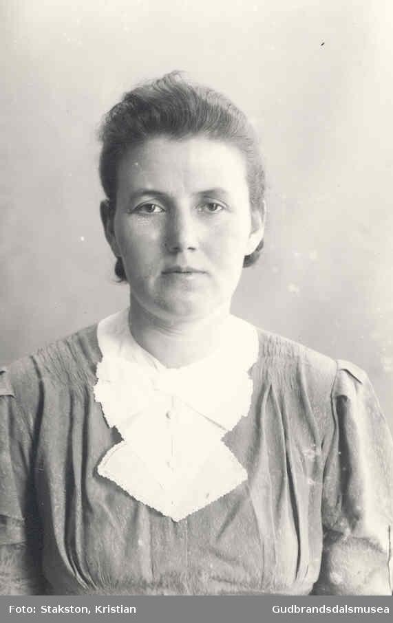 Magnhild Viken (f. 1912 g. Hosar)