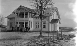 Totens Sparebank, Lena, mens banken var lokalisert på Valle