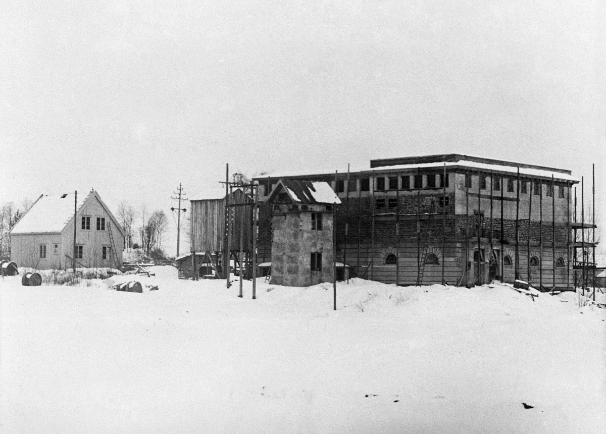 Børstad transformatorstasjon, Hamar. Hamar Vang og Furnes kommunale kraftselskap.