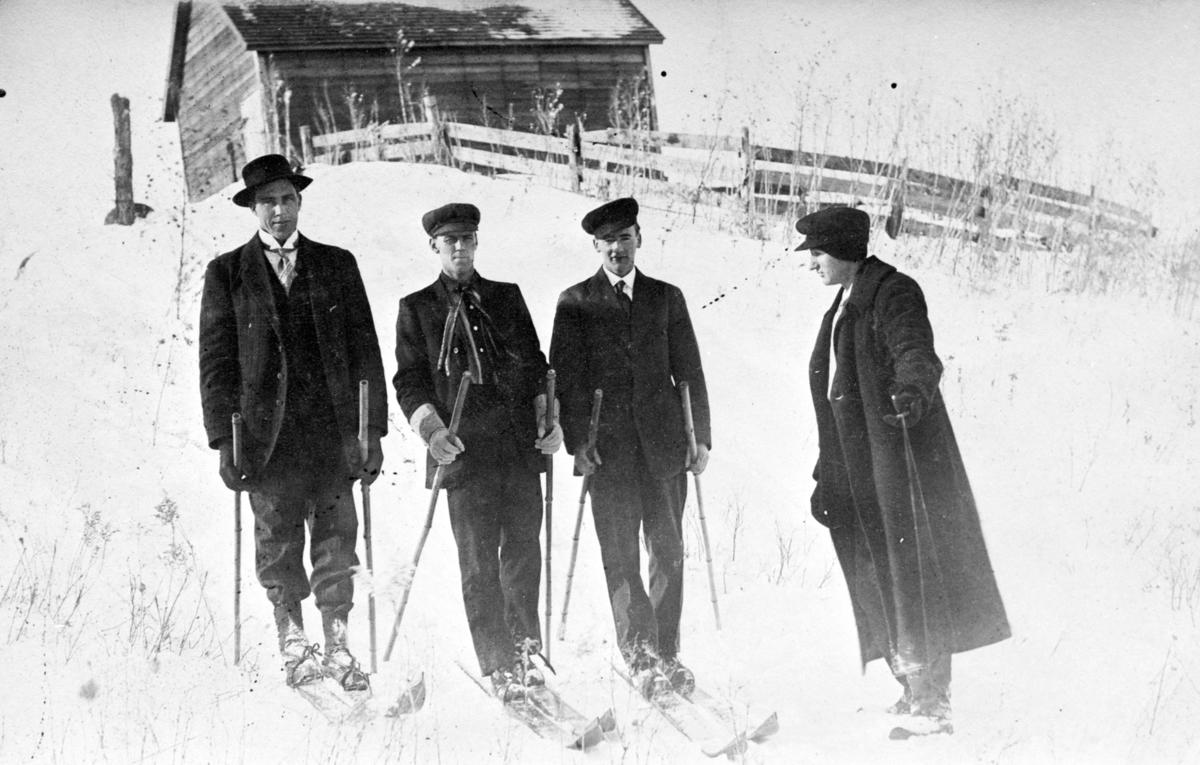 Skiløpere på Nes, Aksel Wik.