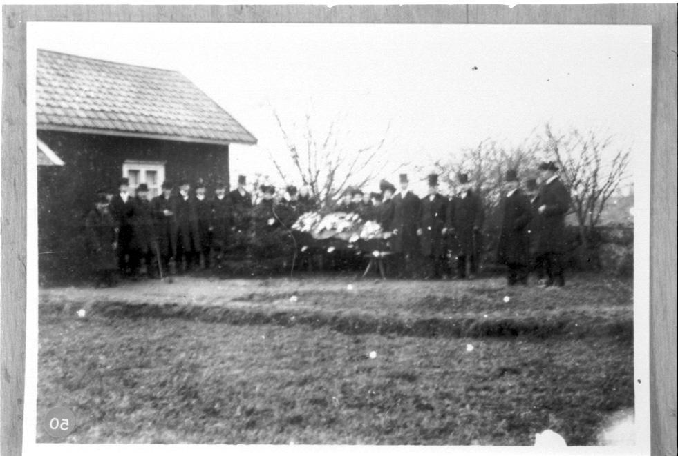 Begravning i Jonagården.