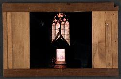 """Laterna magica bild målad i färg på glasskiva. """"Notre Dame"""