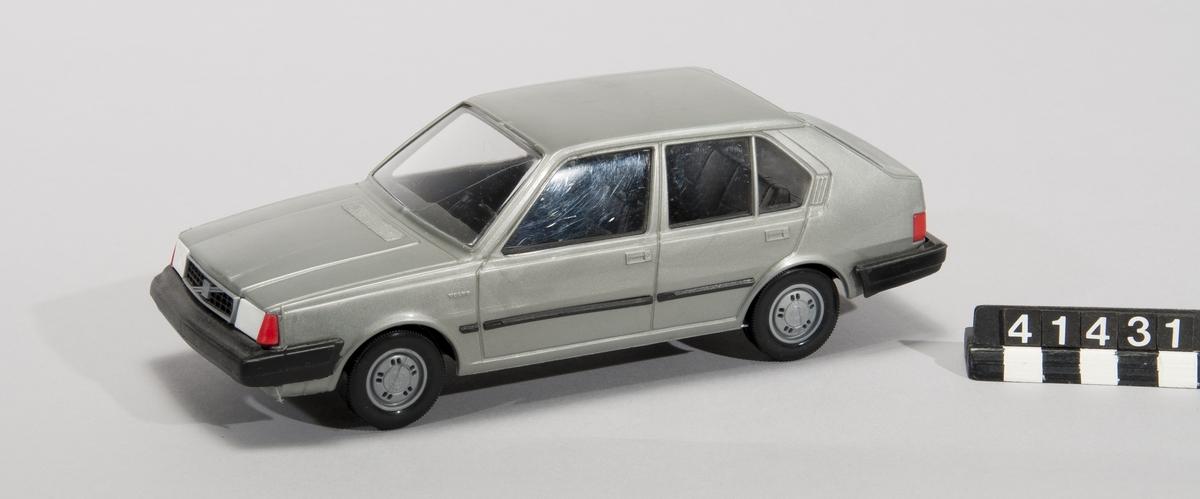 Bilmodell av plast.