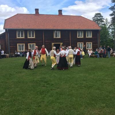 Folkedans på Odalstunet. Foto/Photo