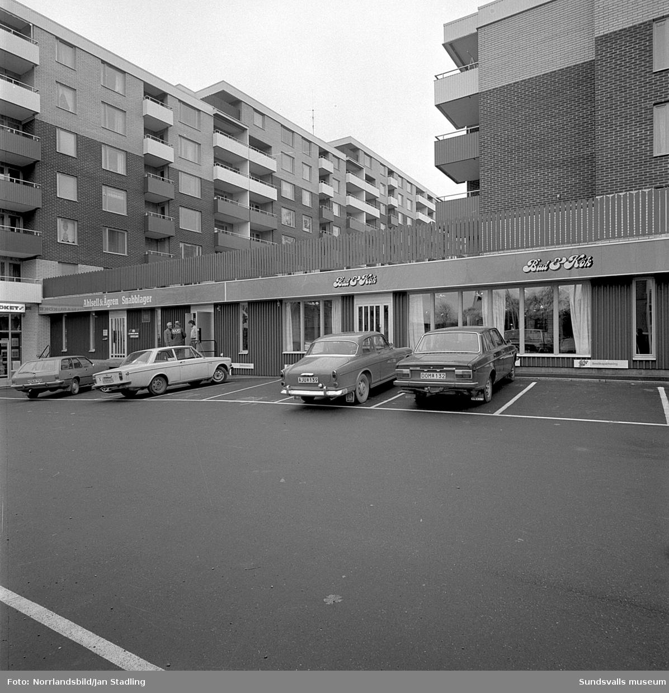 Exteriörbilder vid Bergsgatan 19 och lastbryggan vid Ahlsell & Ågren Snabblager.
