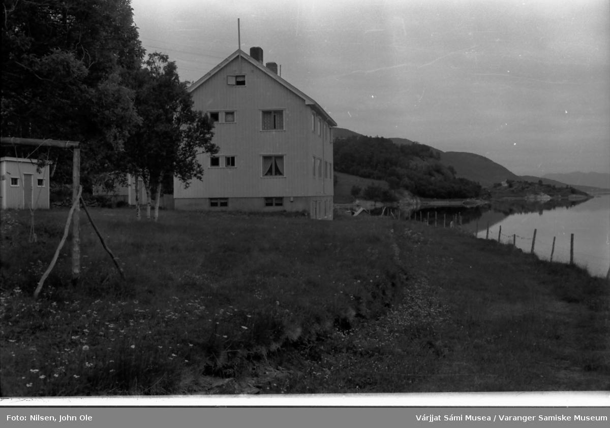 Kåfjord i Alta kommune, Gabrielsneset i bakgrunnen. 1966.