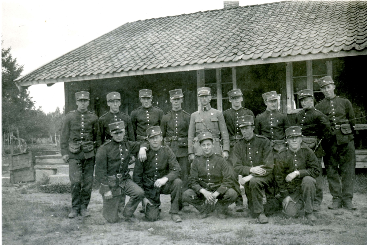 Birger Ruud and others during basic training