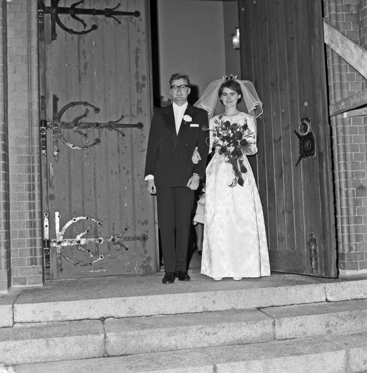 Bryllup, i kirken og på trappen - bestiller Jan Kristiansen