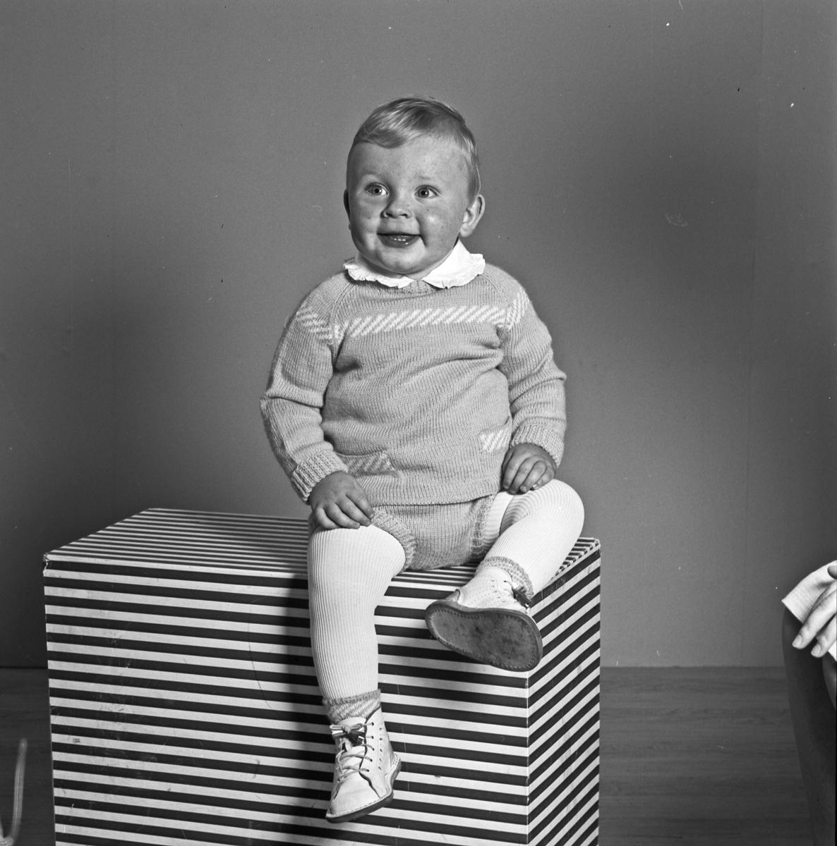 Portrett liten gutt - bestiller Arne Baustad