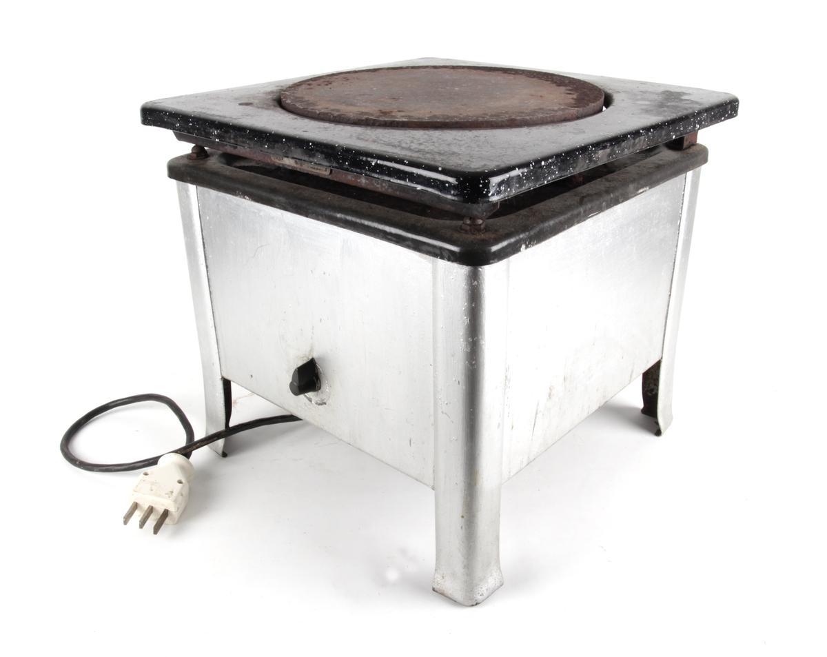 Elektrisk kokeplate med ledning.