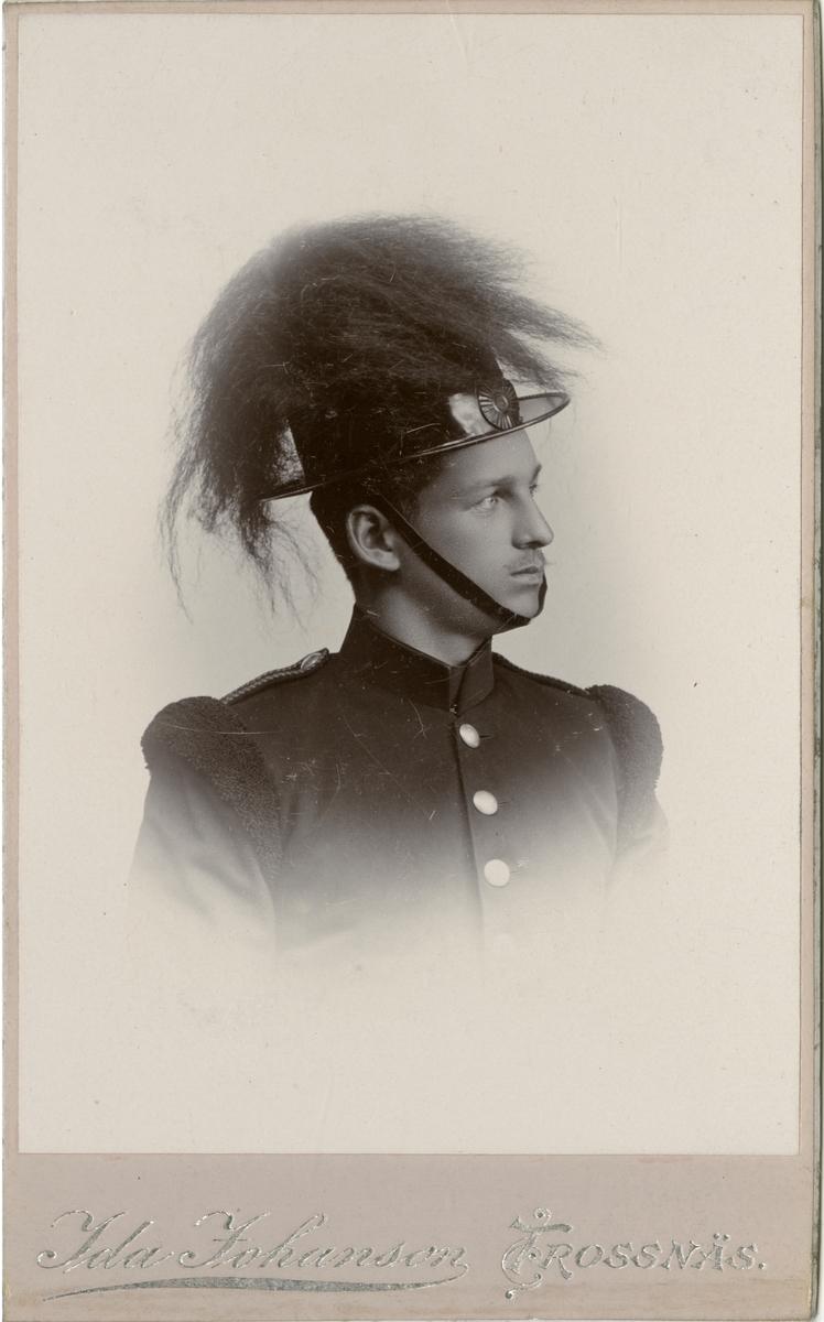 Porträtt av E. Karleson, volontär vid Värmlands fältjägarkår I 26.