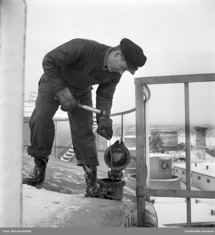 Shell, arbete vid oljehamnen Vindskärsvarv.