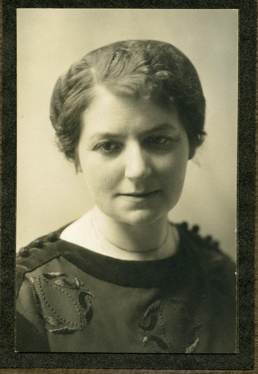 Portrett av Guri Fønhus.