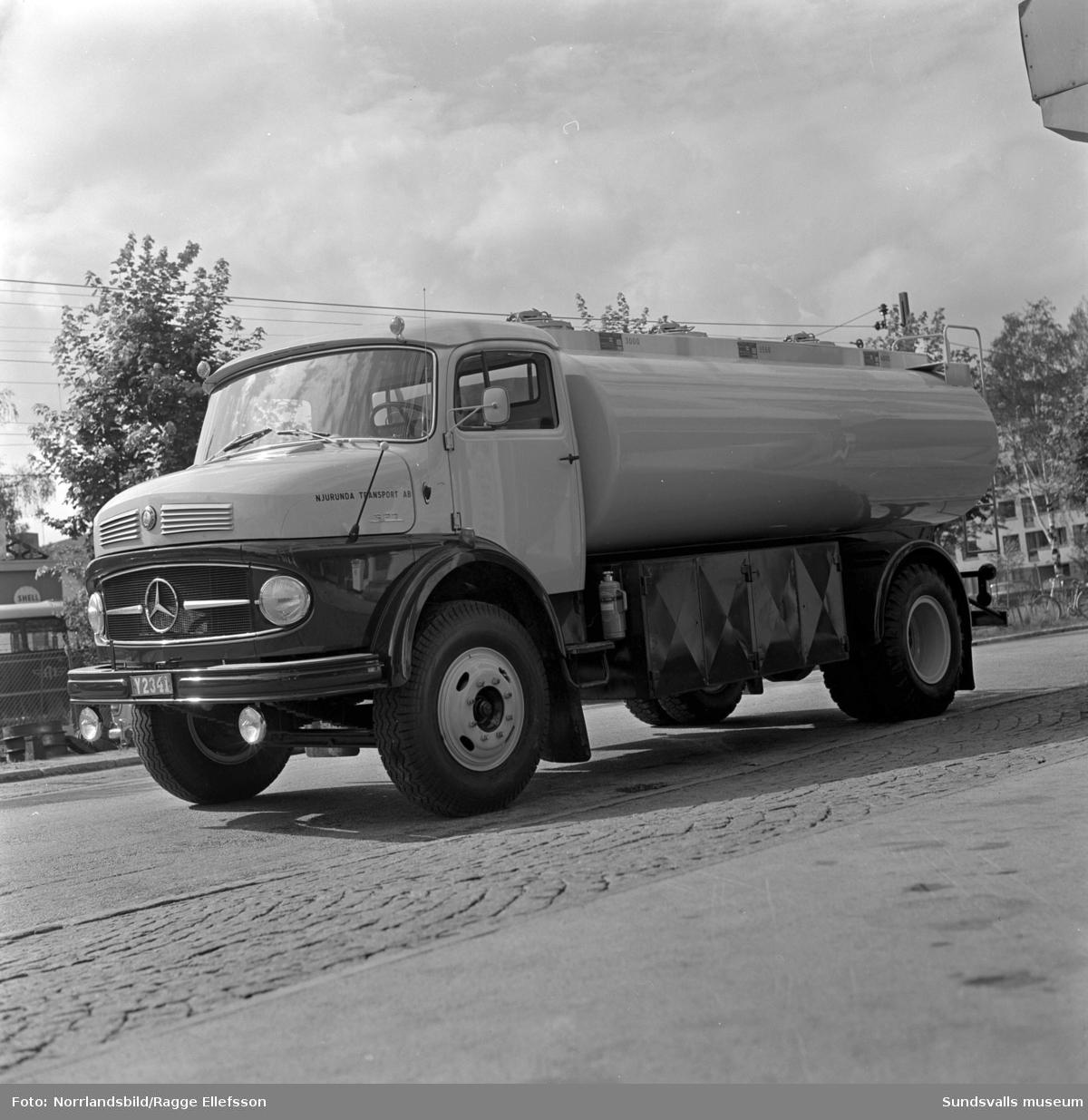 Philipssons bilfirma levererar en ny Mercedes tankbil till Njurunda Transport AB.