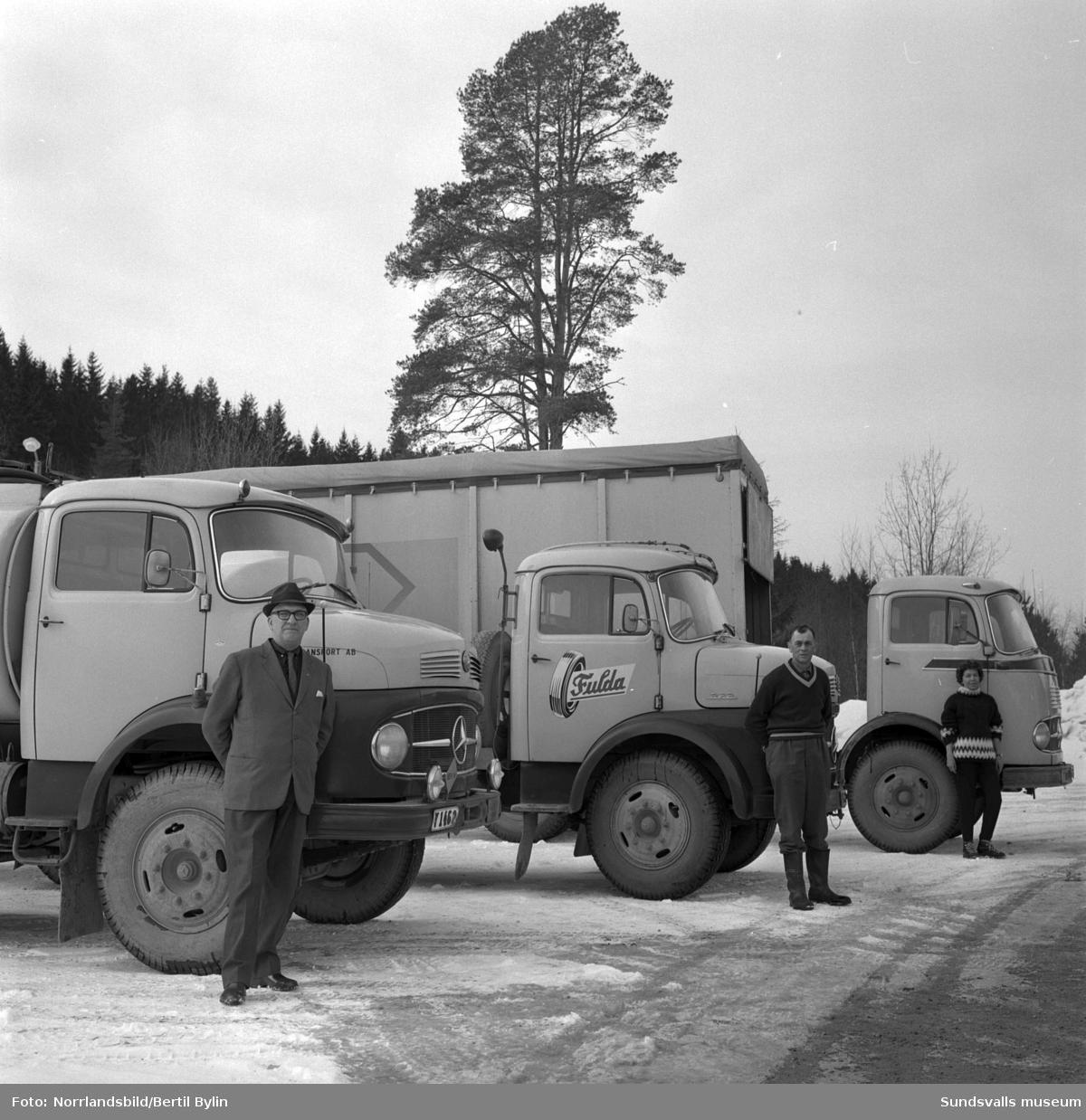 knut hlunds mercedes lastbilar njurunda transport ab sundsvalls museum digitaltmuseum. Black Bedroom Furniture Sets. Home Design Ideas