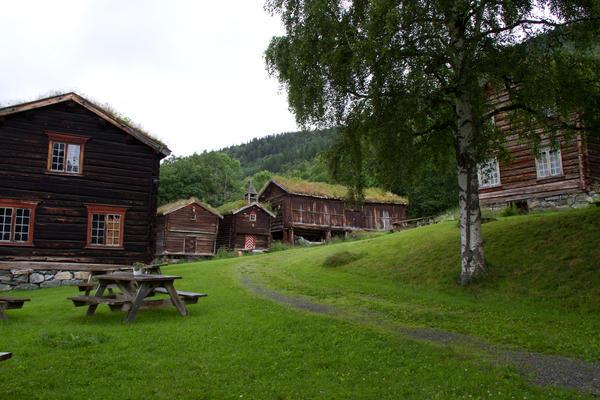 Tunet med Maulåna. Foto/Photo