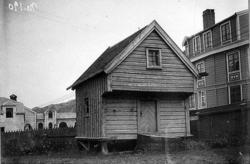 Katalog over bilder av eldre gateparti, bygninger og bygning