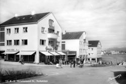 """postkort """";13-b-2 Kristiansund N., Kaibakken""""; Foto fra Kaib"""