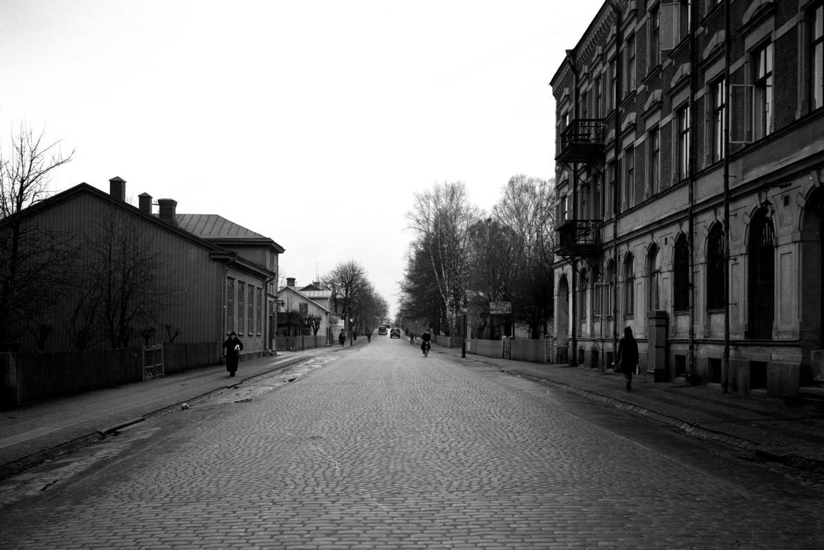 Nygatan norrut från korsningen med Åttkantsgatan år 1938.