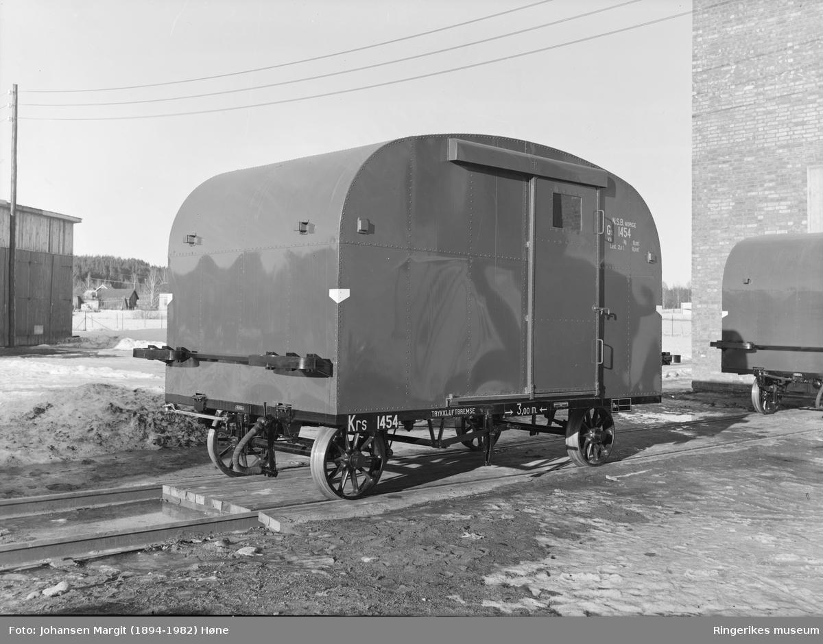 Jernbanevogn Gx 1454, såkalt koffert  fra Hønefoss Karosserifabrikkk, HØ-KA. Fra ca. 1950.